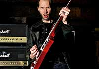 free guitar lessons from Paul Gilbert