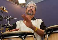 free percussion lessons from Luis Conte