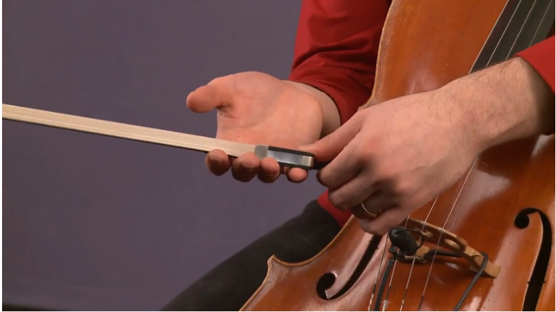 how to hold a cello bow