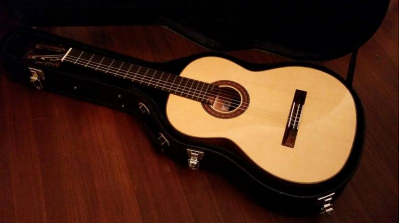 learning classical guitar at artistworks